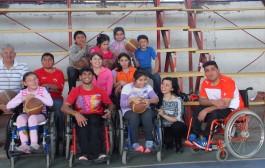 El basquetbol jugado con un balón inclusivo