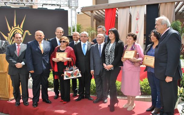 Los cinco alcaldes premian a emprendedores y medios de comunicación (Foto OvalleHOY.cl)