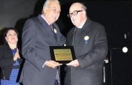 Monseñor Manuel Donoso recibe distinción en aniversario 409 de Monte Patria