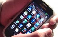 Asaltan a estudiante de camino al colegio para robarle el teléfono celular