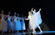 Joven bailarina ovallina se luce en el Teatro Municipal de Copiapó