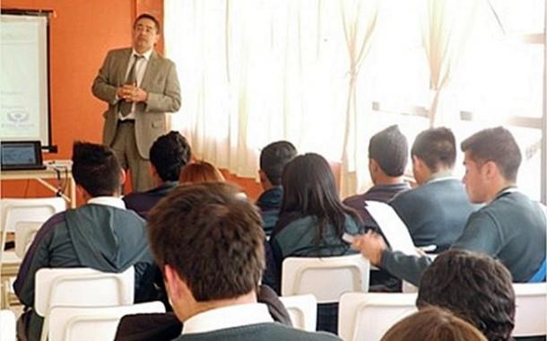 Estudiantes de Punitaqui conocen temas como la ley de drogas y el rol de la Fiscalía.