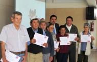 Adultos mayores de Limarí se certifican en superación de autoestima y habilidades comunicativas