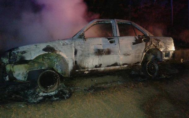 Tras robar vehículo en Ovalle, desconocidos lo incendian en Punitaqui
