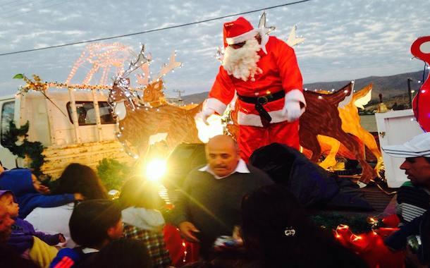 FOTONOTICIA: En su trineo el Viejito Pascuero visitó a los niños de Punitaqui