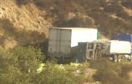 Camión vuelca en ruta D43