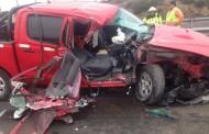 Grave acompañante de camioneta que colisionó contra remolque de camión