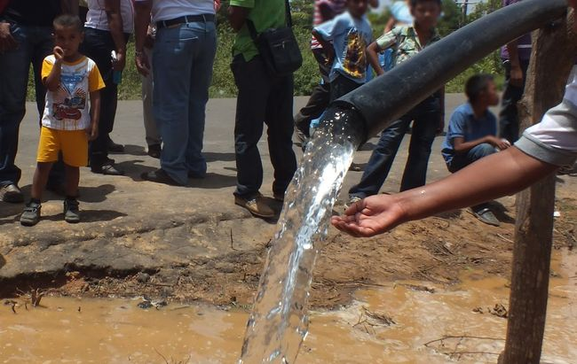 Nuevo decreto de escasez hídrica busca asegurar el abastecimiento de agua potable  en 14 comunas de la región