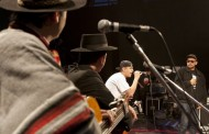 El sorprendente duelo de improvisación entre payadores y raperos en la Plaza de Armas