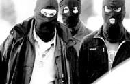 Noche de terror viven padre e hijo atacados con armas de fuego en su domicilio