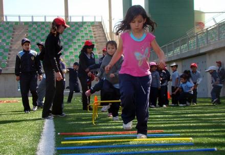 Escuelas Deportivas Integrales: Formando Futuros Campeones