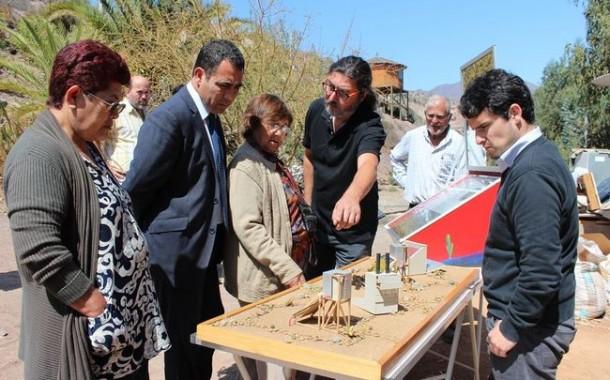 "Mujeres de Río Hurtado aprenden a fabricar cocinas solares para aprovechar al ""care´gallo"""