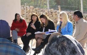 Afectados por la sequía en Monte Patria comienzan a trabajar en empleos de emergencia