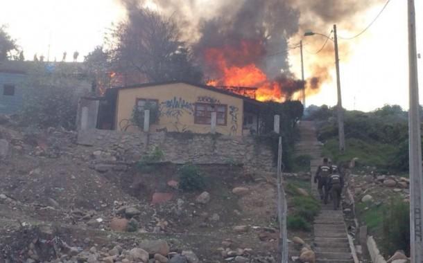 Incendio se declara en viviendas del sector Bellavista