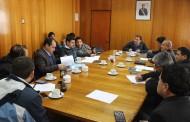 Gobernador y alcaldes trabajan para reponer caminos cortados en la provincia
