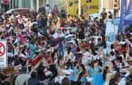 Mil pañuelos flamearon  en la Plaza de Armas de Ovalle