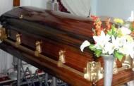 Insólita situación se vive en funeral de adulto mayor que murió atropellado