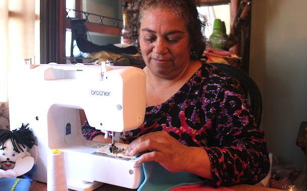 """Limarinas fortalecen habilidades de producción en """"Escuelas de Emprendimiento"""" del Sernam"""
