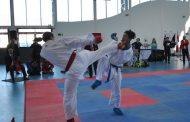 Competidores de gran nivel en Campeonato Internacional de Kárate del Colegio Amalia Errázuriz
