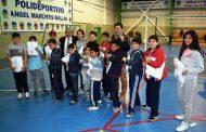 Entregan implementación deportiva a Academia de Karate Municipal