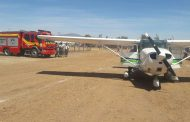 Insólito accidente: avioneta quiebra parabrisas a carrobomba en festival aéreo.