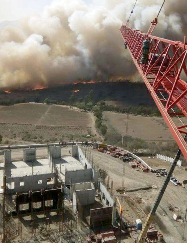 Incendio visto dedsde una grúa de la construcción del nuevo Hospital de Ovalle.