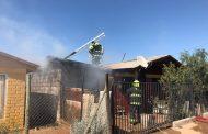 Bomberos controla incendio de vivienda en Cerrillos de Tamaya