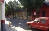 Reponen señalética destruida en calle Maestranza