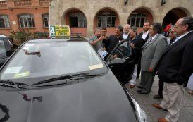 Comienza entrega de recursos para renovar taxis colectivos en la región.