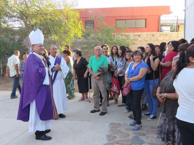 """Comunidad """"Cristo Rey"""" de Pichasca recibe la visita del  Arzobispo"""