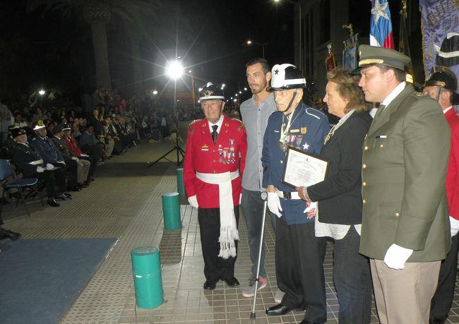 Imágenes de la ceremonia de entrega de reconocimientos a bomberos de Ovalle