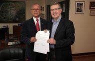 Municipalidades de Río Hurtado y las Condes firman Convenio de Colaboración