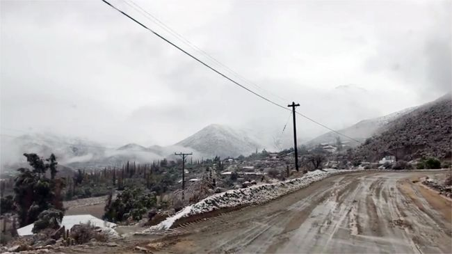 Agua y nieve deja sistema frontal en la provincia del Limarí