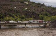 Río Limarí se desborda arrastrando árboles y sedimentos