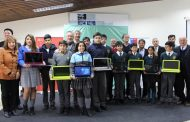 947 estudiantes de Ovalle recibieron computadores portátiles