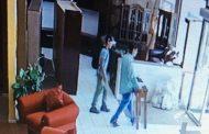 Descarados delincuentes son captados hurtando en tienda Gonart