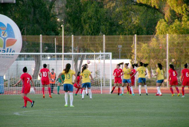Duro revés sufre  la Roja femenina ante Brasil en el Estadio Diaguita