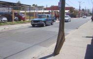 Vecinos del sector Independencia- Avenida La Chimba  preocupados por poste colgante