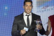 Goleador ovallino recibe el premio como el Mejor Futbolista de Segunda División