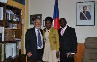 """Pareja de haitianos dan el """"Oui!"""" en el registro civil de Ovalle"""