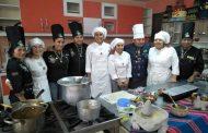 Estudiantes de gastronomía de Ovalle se capacitan en Bolivia