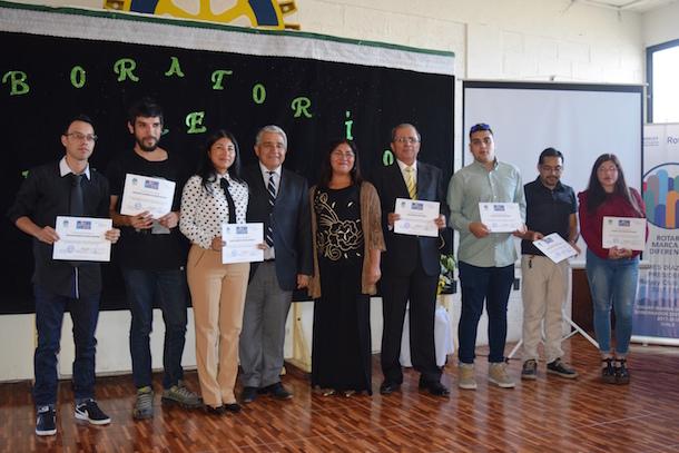 50 ovallinos se certificaron en inglés en cursos gratuitos del Rotary Club