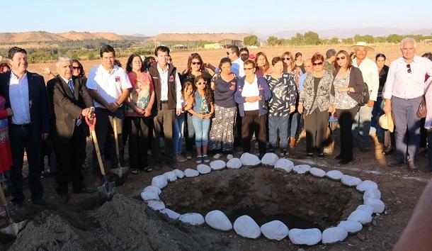 Inician construcción de viviendas para 55 familias del pueblo Limarí