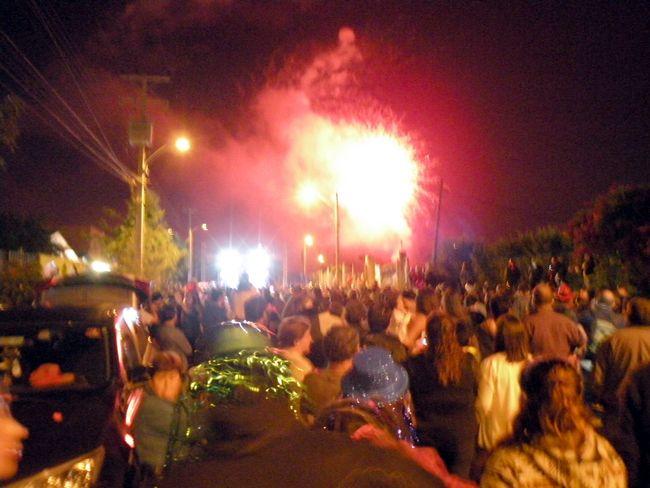 Miles de ovallinos recibieron el Año Nuevo en la Avenida La Chimba