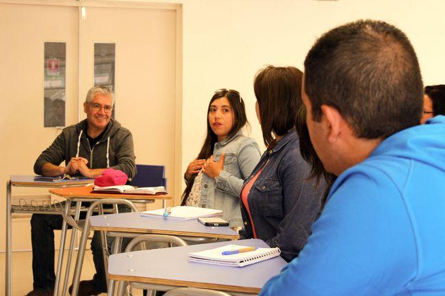 Docentes de Ovalle y Monte Patria aprenden a elaborar proyectos de investigación científica escolar