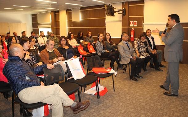 Gremio constructor regional presenta programas sociales con acento en la inmigración e inclusión