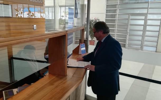 Alcalde de Ovalle se querella contra responsables de publicación injuriosa en Facebook