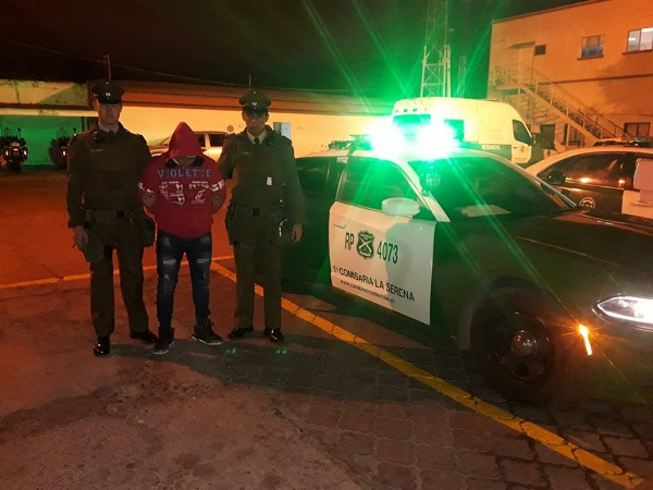 Región: Hombre detenido tras mostrar sus partes íntimas a menor de edad en restaurante