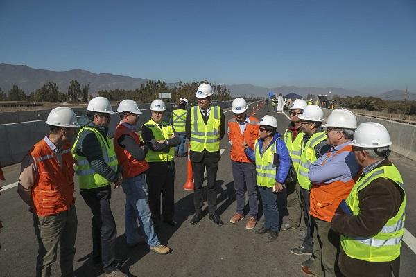 Pavimentan tramo de ruta Ovalle-La Serena con material reciclado