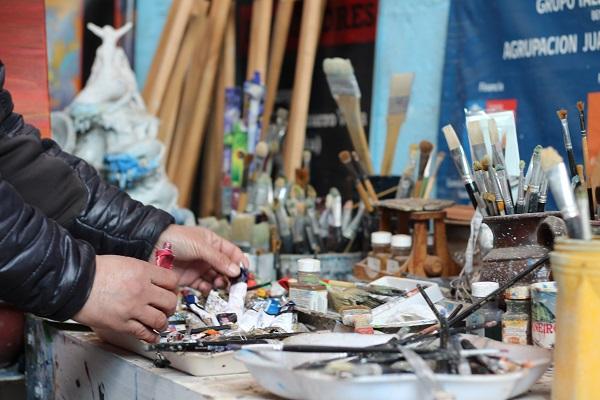 Implementos del taller de pintura del artista. 92721504c8d08